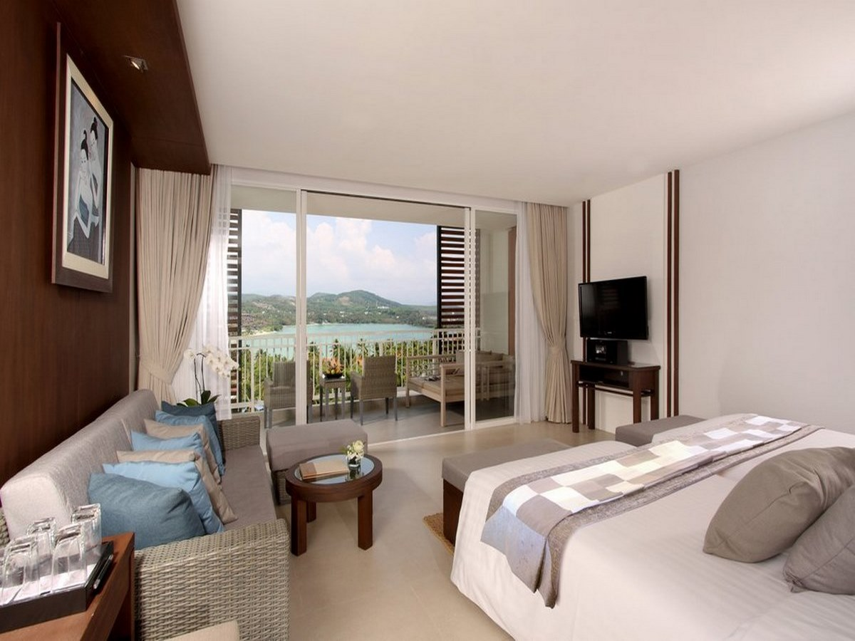 Cape-Panwa-Hotel-Junior-Suite-Bedroom