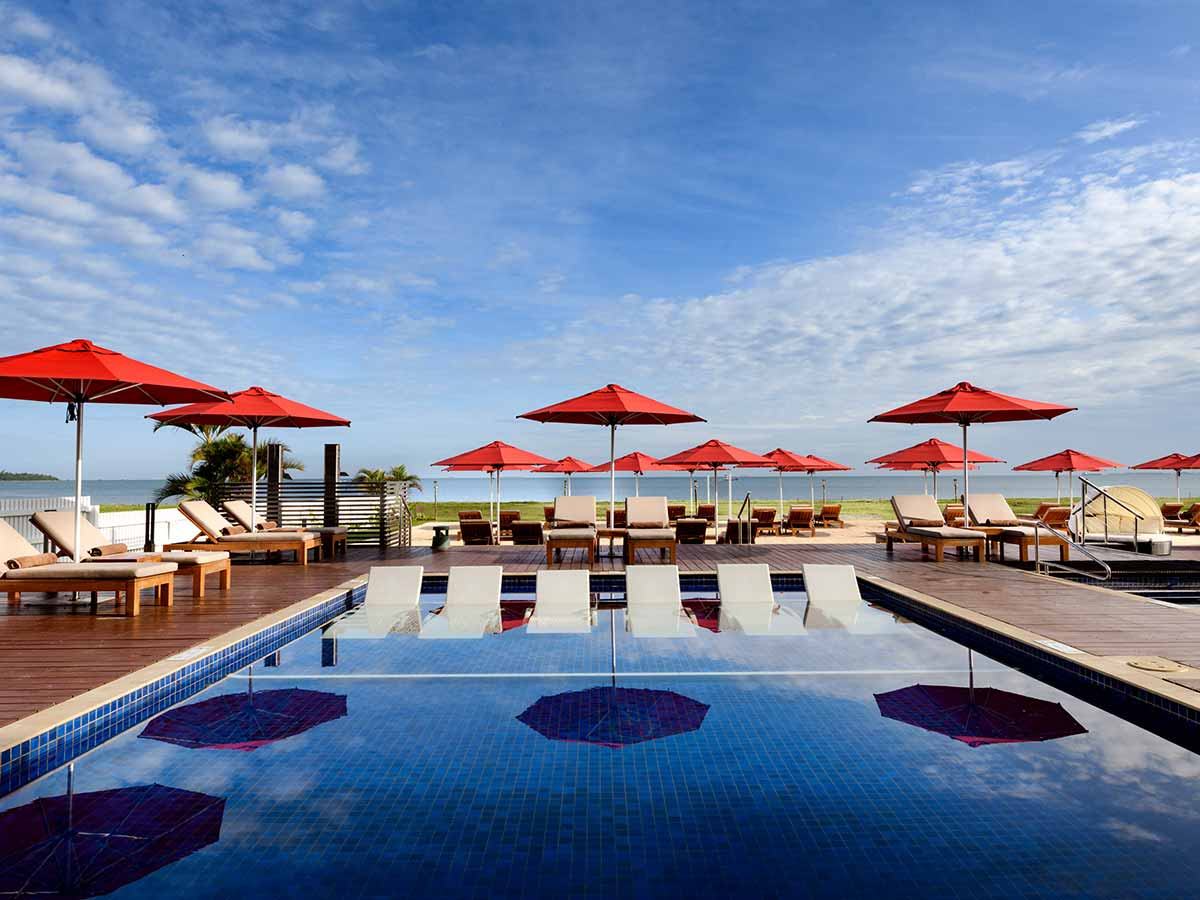 Hilton Fiji Beach Resort Spa pool