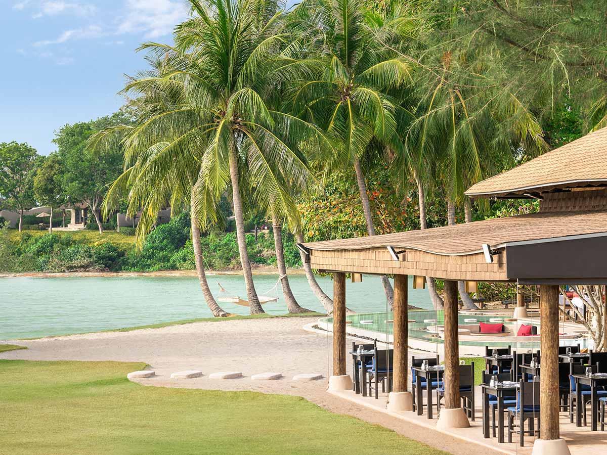 The-Naka-Island-A-Luxury-Collection-Resort-Spa-Phuket-restaurant-tonsai