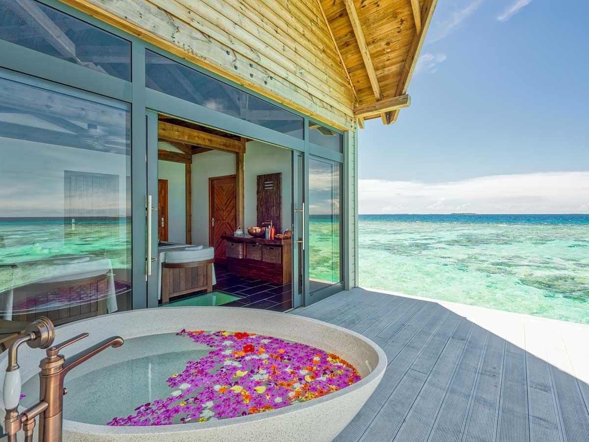 Movenpick Resort Kuredhivaru Maldives spa