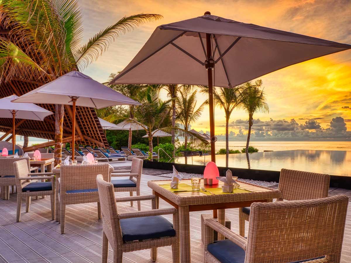 Movenpick Resort Kuredhivaru Maldives dining latitude