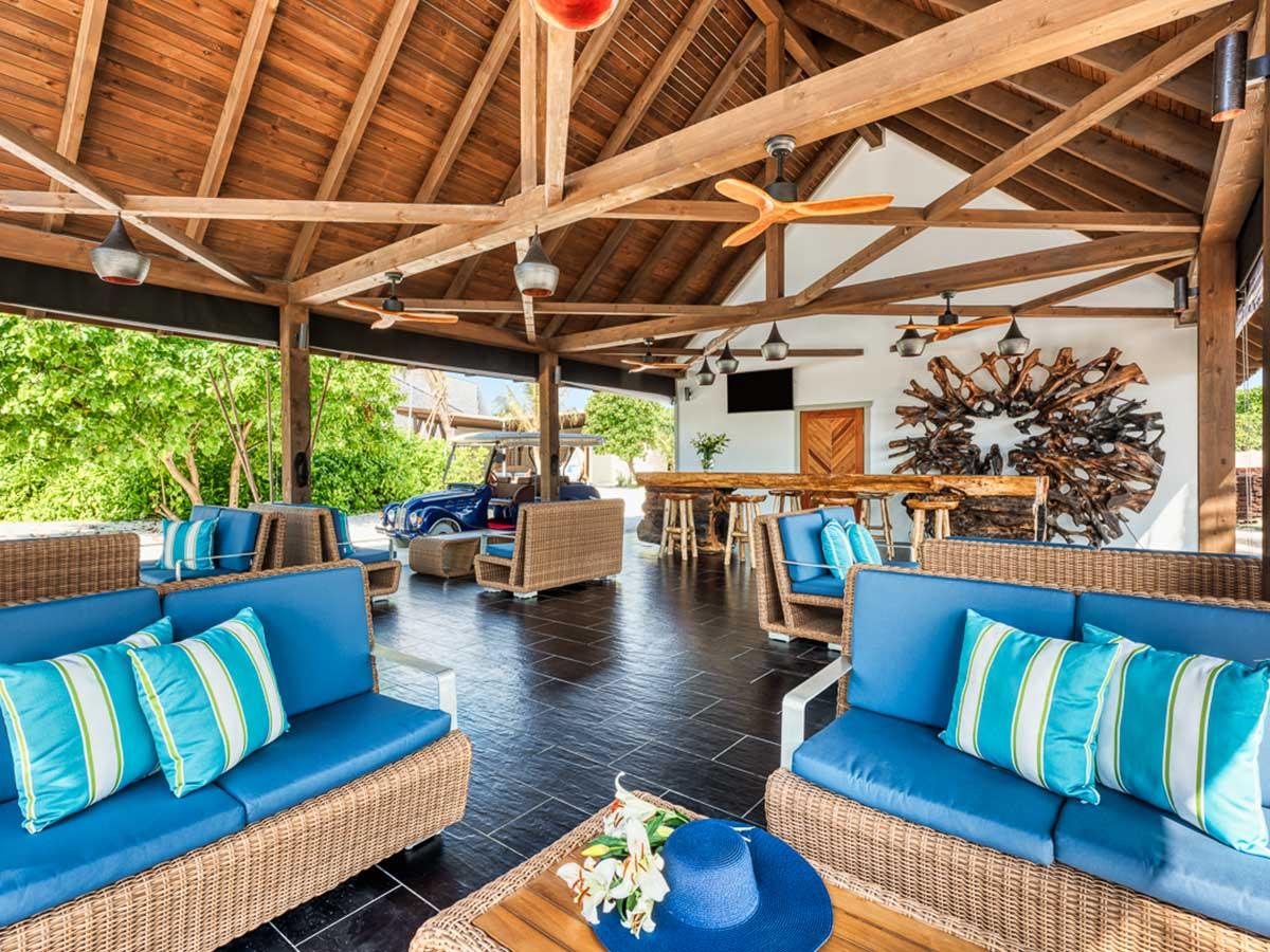 Movenpick Resort Kuredhivaru Maldives reception