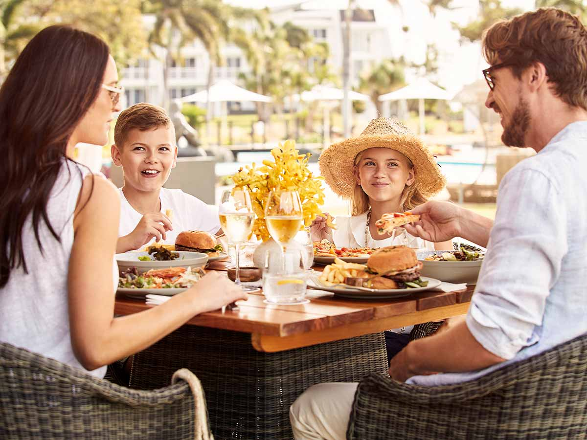 daydream-island-resort-and-spa-family-dining